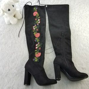Merona embroidered black boots size 7
